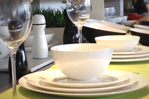 Assiettes & services de table, Couverts & ménagères, Verres & carafes, Mugs, bols & tasses, Théières & services à thé, Coupes & coupelles, Plats, Saladiers & corbeilles, Plateaux & accessoires