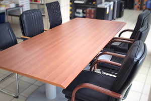 Bureaux, Fauteuils, Chaises, Tables de réunion, Armoires