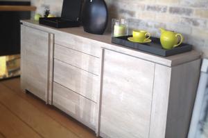 Tables & chaises / Buffets, bahuts & vaisseliers / Bars & tabourets de bar / Bibliothèques & vitrines / Consoles / Etagères / Accessoires séjour